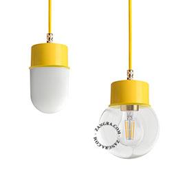 lampe-suspension-metal-jaune-abat-jour-verre-globe