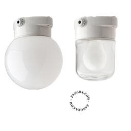salle-murale-bain-porcelaine-blanc-plafonnier-etanche-lampe-applique