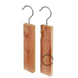 clean005_001_s-red-cedar-hook-up-moth-cedre-rouge-mites-cederhout-motten-rode-ceder