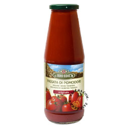 sieved tomatoes - Passata