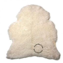 furniture027_002_s-Leather-lamsvel-lambskin-peau-mouton-icelandic