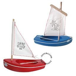 kids.054_s-wooden-boat-bateau-bois-jouets-houten-boot-zeilboot-tirot-thonier-voilier