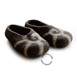 slippers.ch004_s-pantouffle-feutre-pantoffels-vilt-wol-laine-wool-felt-felted-slippers-shoes