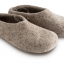 slippers.ad002_l-pantouffle-feutre-pantoffels-vilt-wol-laine-wool-felt-felted-slippers-shoes