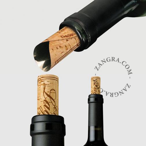 kitchen063_001_l-04-wijn-wine-vin-cahteaux-lagoutte-dropstop-gietplaatje-anti-goutte-wine-pourer-stopper