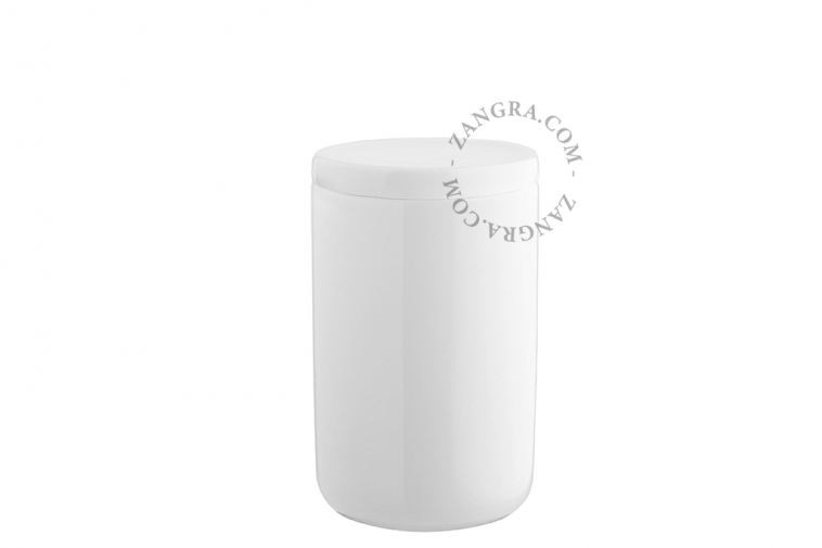 container-mug-cup-toothbrush