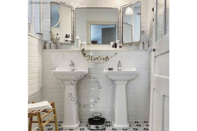 porcelain-knob-cabinet-door-white