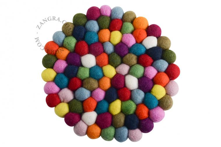 felt-trivet-pompom-ball-wool
