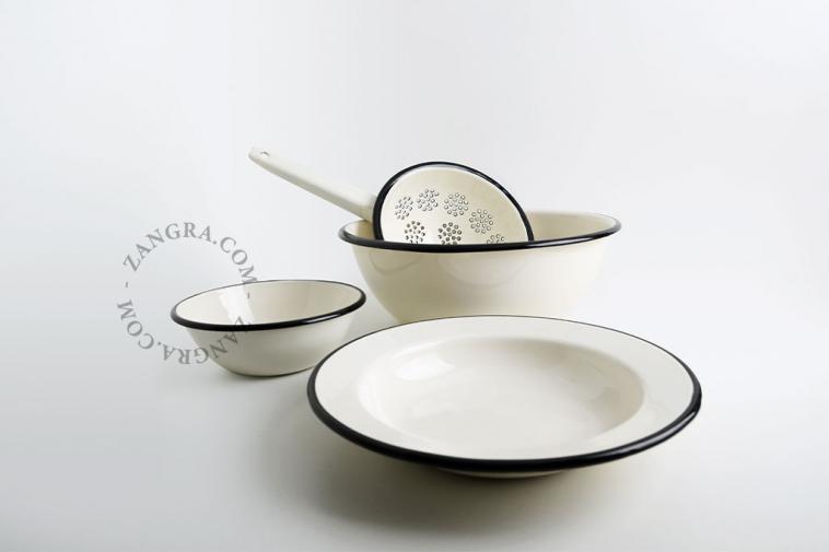 tableware-collander-ivory-enamel