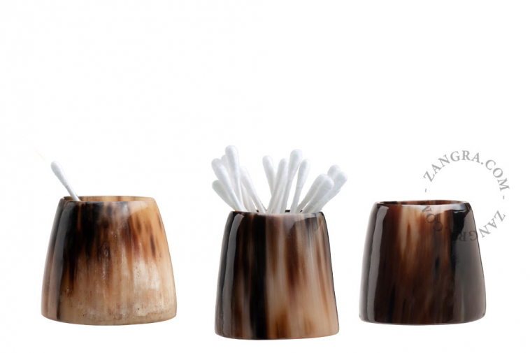 cup-horn-cotton-swabs