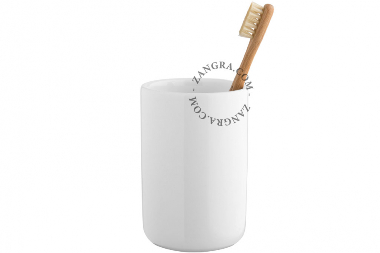 mug-holder-cup-soap-toothbrush