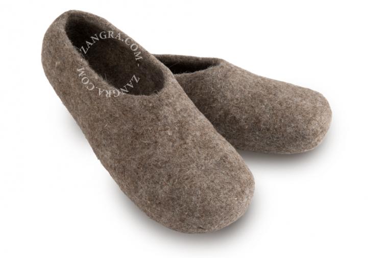 slippers.ad001_l_04-pantouffle-feutre-pantoffels-vilt-wol-laine-wool-felt-felted-slippers-shoes