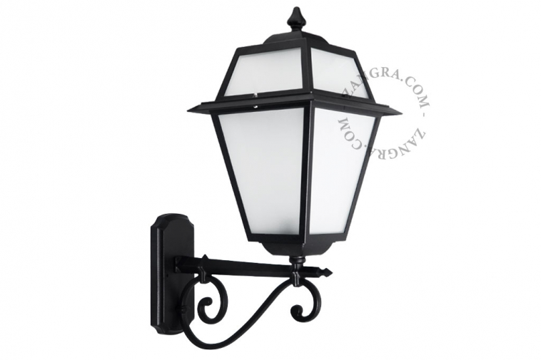 lanterns-lamp-outdoor-wall
