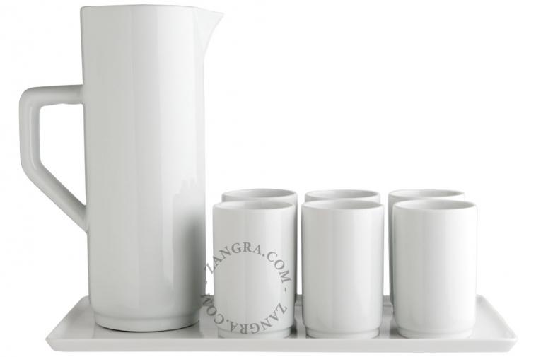 kitchen.111_l_02-porcelain-tray-porcelaine-plateau-porselein-schotel-porcelain-cup-tumbler-verre-porcelaine-porselein-beker-carafe-porcelaine-porcelain-carafe-karaf-porselein