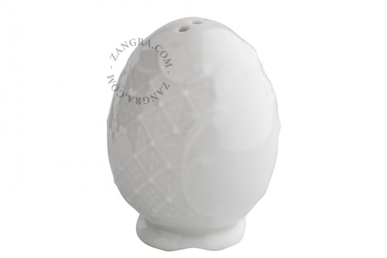 porcelaine-pepper-salt-shaker