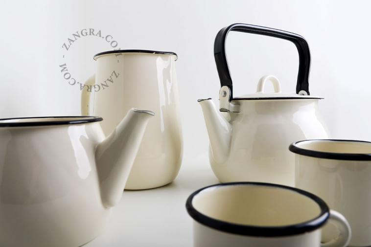 ivory-carafe-jug-enamel-tableware