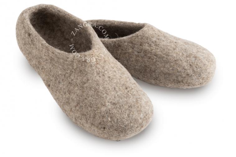 slippers.ad002_l_04-pantouffle-feutre-pantoffels-vilt-wol-laine-wool-felt-felted-slippers-shoes