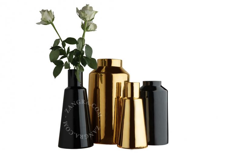 home.076.028.b_l-03-porcelaine-noir-fleurs-flower-pot-vase-porcelaine-black-porselein-vaas-bloemenvaas-zwart
