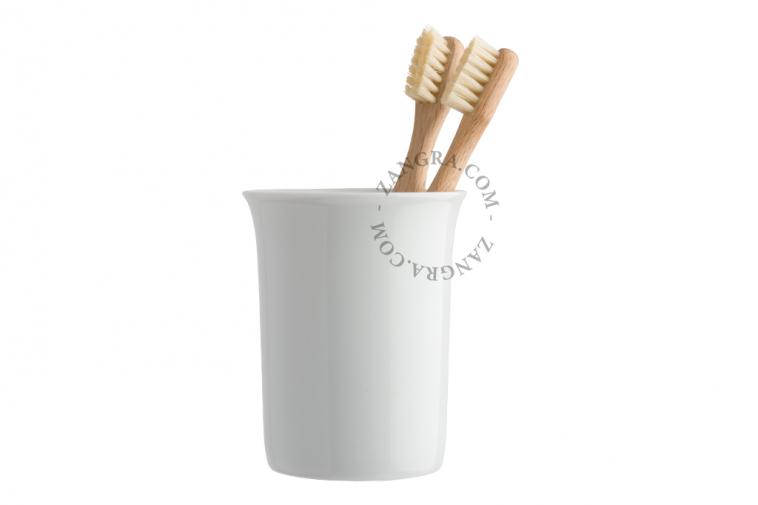 tumbler in white ceramic