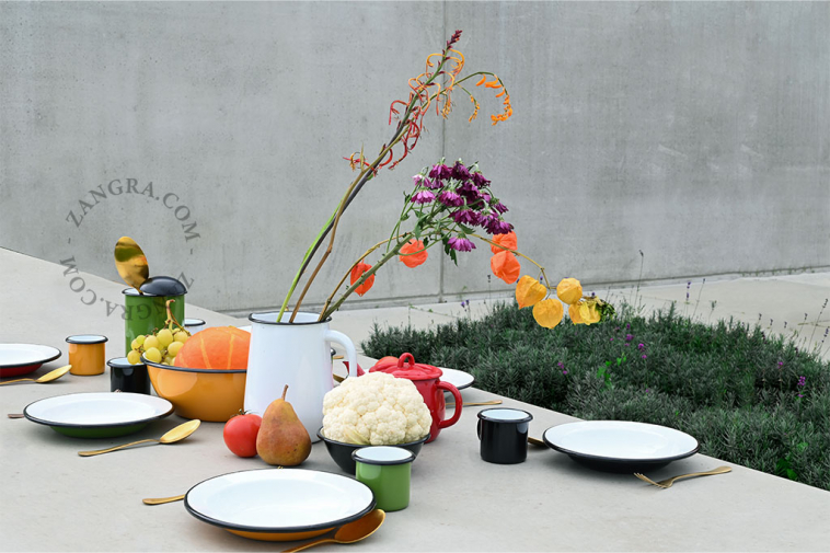 green-enamel-mug-tableware