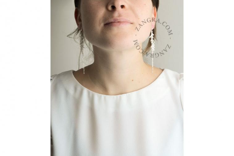 thuja-women-gold-jewellery-earrings-silver-leaf