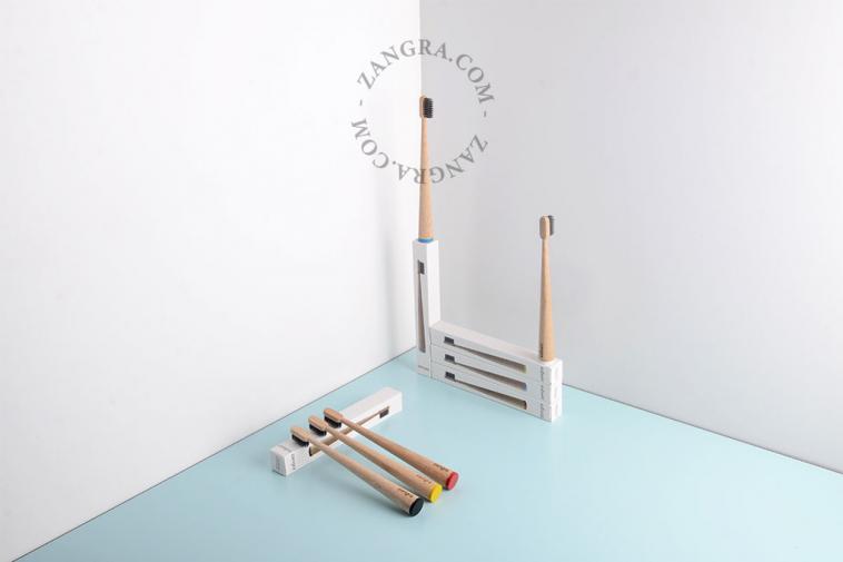 bamboo-toothbrush-charcoal-bristles-natural-eco-friendly