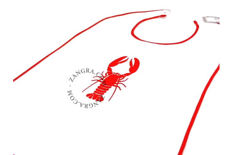 kitchen.086.001_l_02-kreeftenslab-bavette-homard-lobster-bib