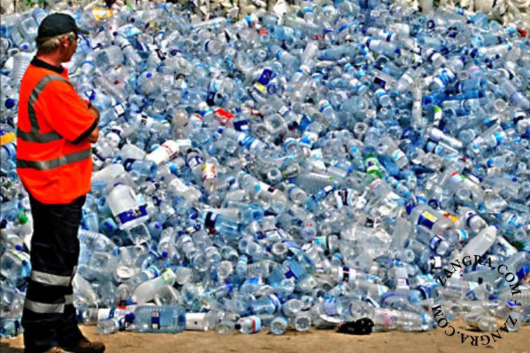 kitchen002_014_l-12-water-drink-bottle-gourde-bidon-eau-drinkfles-charcoal-filter-houtskool-charbon-actif-binchotan-no-plastic-free-sans-plastique