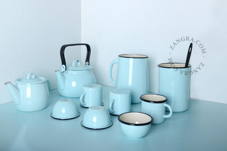 enamel-blue-jar-tableware-ivory