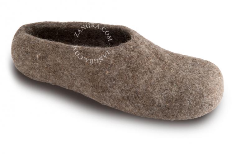slippers.ad001_l_02-pantouffle-feutre-pantoffels-vilt-wol-laine-wool-felt-felted-slippers-shoes