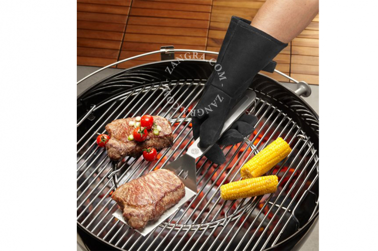 leather-protection-barcecue-flames-heat-glove