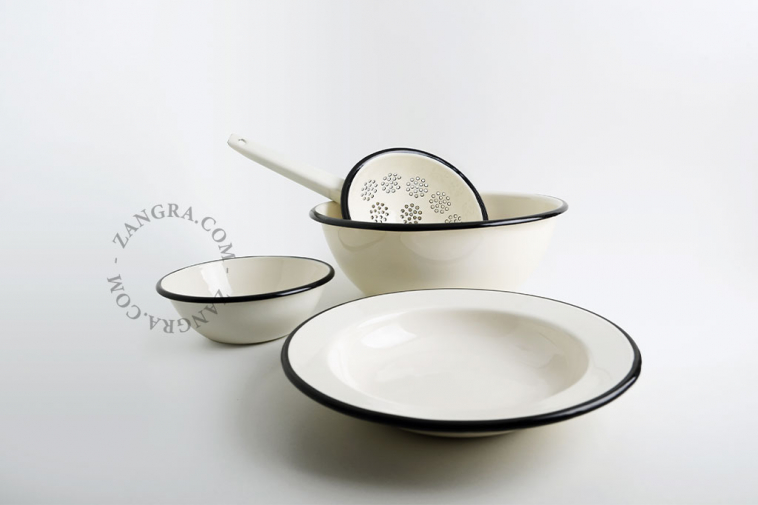 salad-ivory-enamel-bowl-tableware